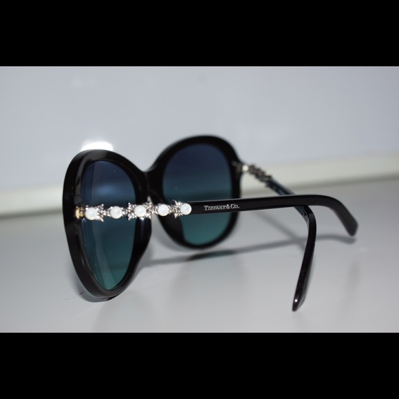 4894f25b383b Tiffany   Co. women s sunglasses. M 5bfd6fc2c61777248c47822e. Other  Accessories ...